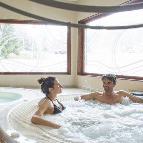 couple dans un spa à valmorel